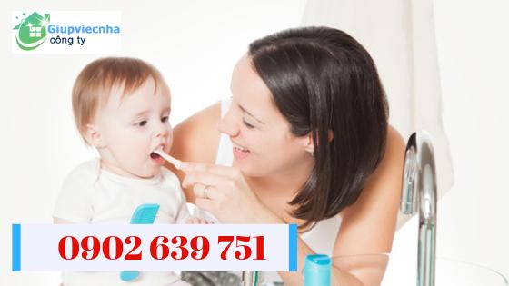 dịch vụ giới thiệu người chăm em bé ăn ở lại
